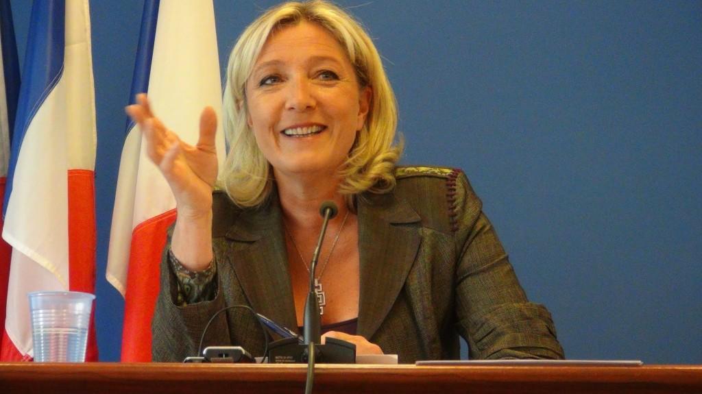 【EU選】極右「仏国民戦線」が第一党に マリーヌ=ルペンは高笑い