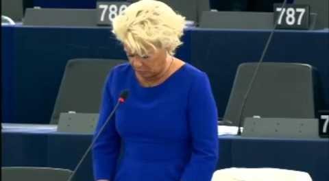本年6月欧州議会議員選挙で第一党に躍進した仏極右「国民戦線」のマリー=... 自称「イスラム国」