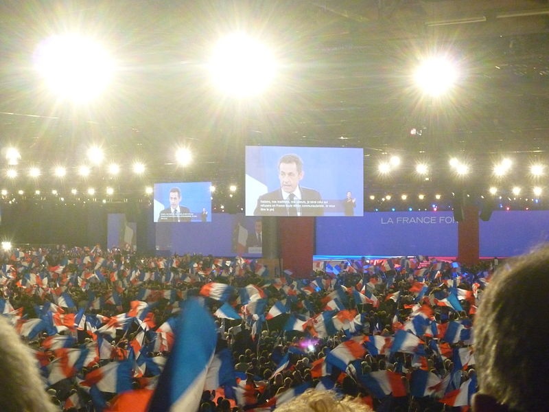 2012年の仏大統領選挙キャンペーンで演説するサルコジ大統領(wikipédia)