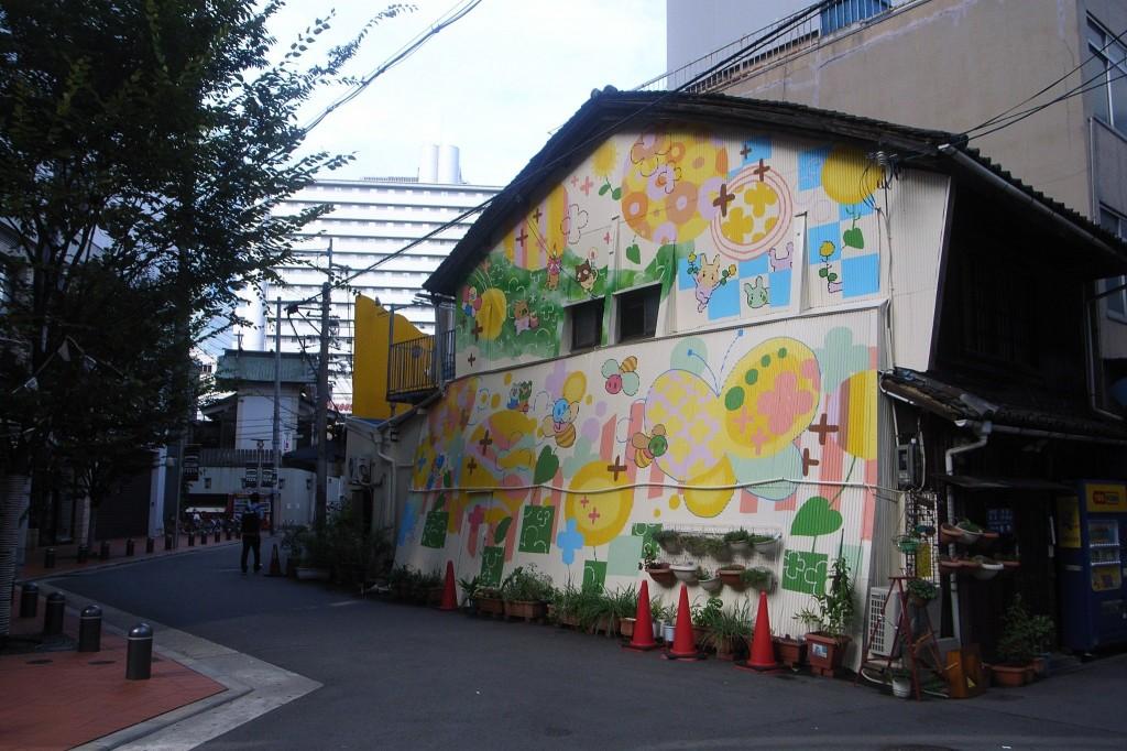 梅田・茶屋町。かつて部落地域だったなごり 撮影 藤原敏史・監督