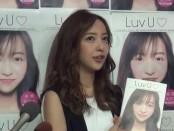 板野友美が『Luv U』発売記念イベント「濃厚で素敵な10年にしたい。結婚できたらいい」