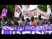 マクロン改革に抵抗してフランス全土で26万人が大規模デモ
